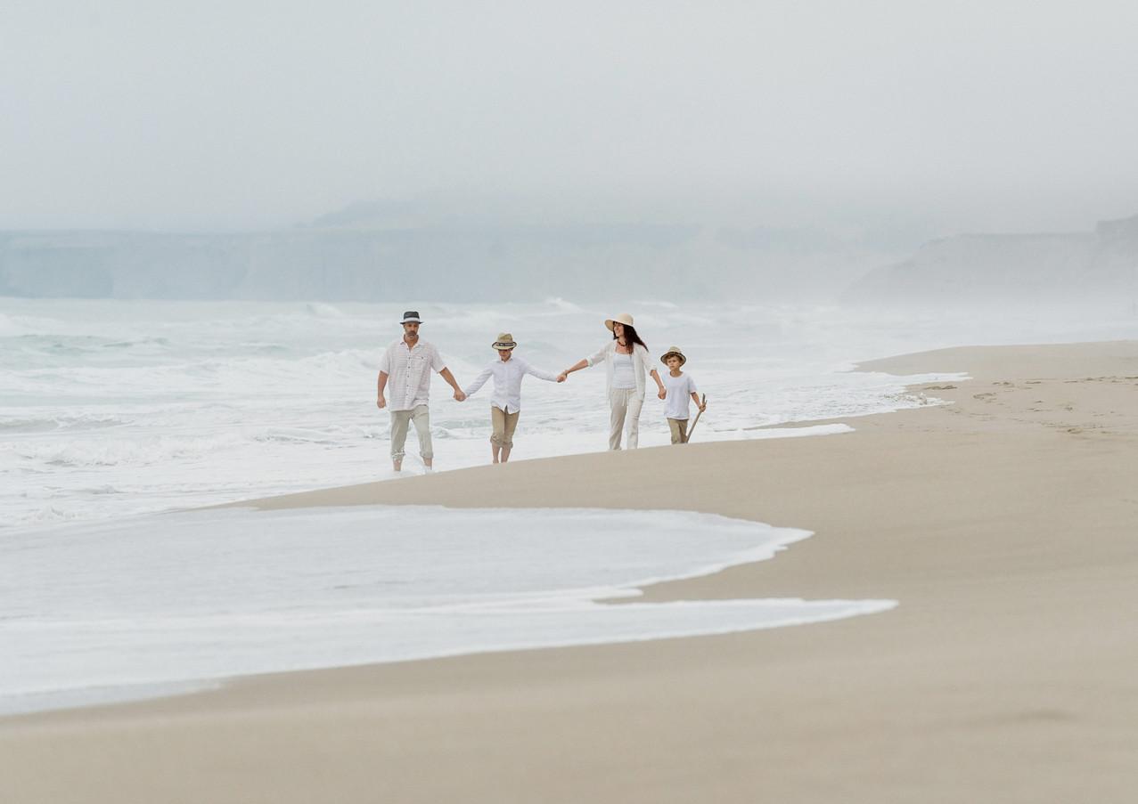 19_08 Beach Family-62.jpg