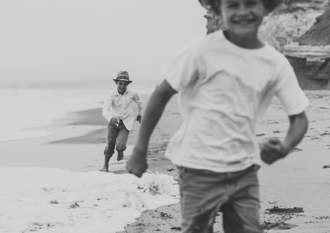 19_08 Beach Family-81.jpg