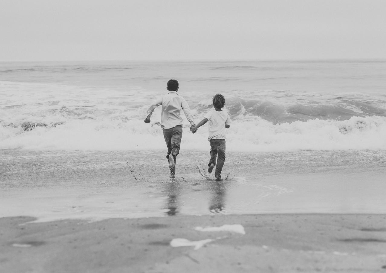 19_08 Beach Family-120.jpg