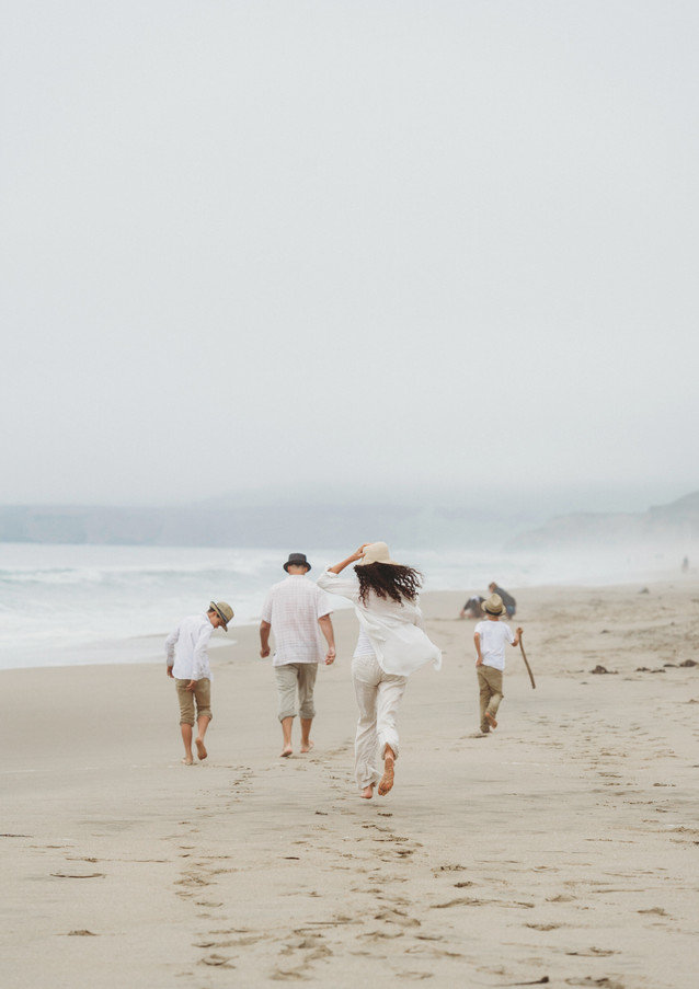 19_08 Beach Family-59.jpg