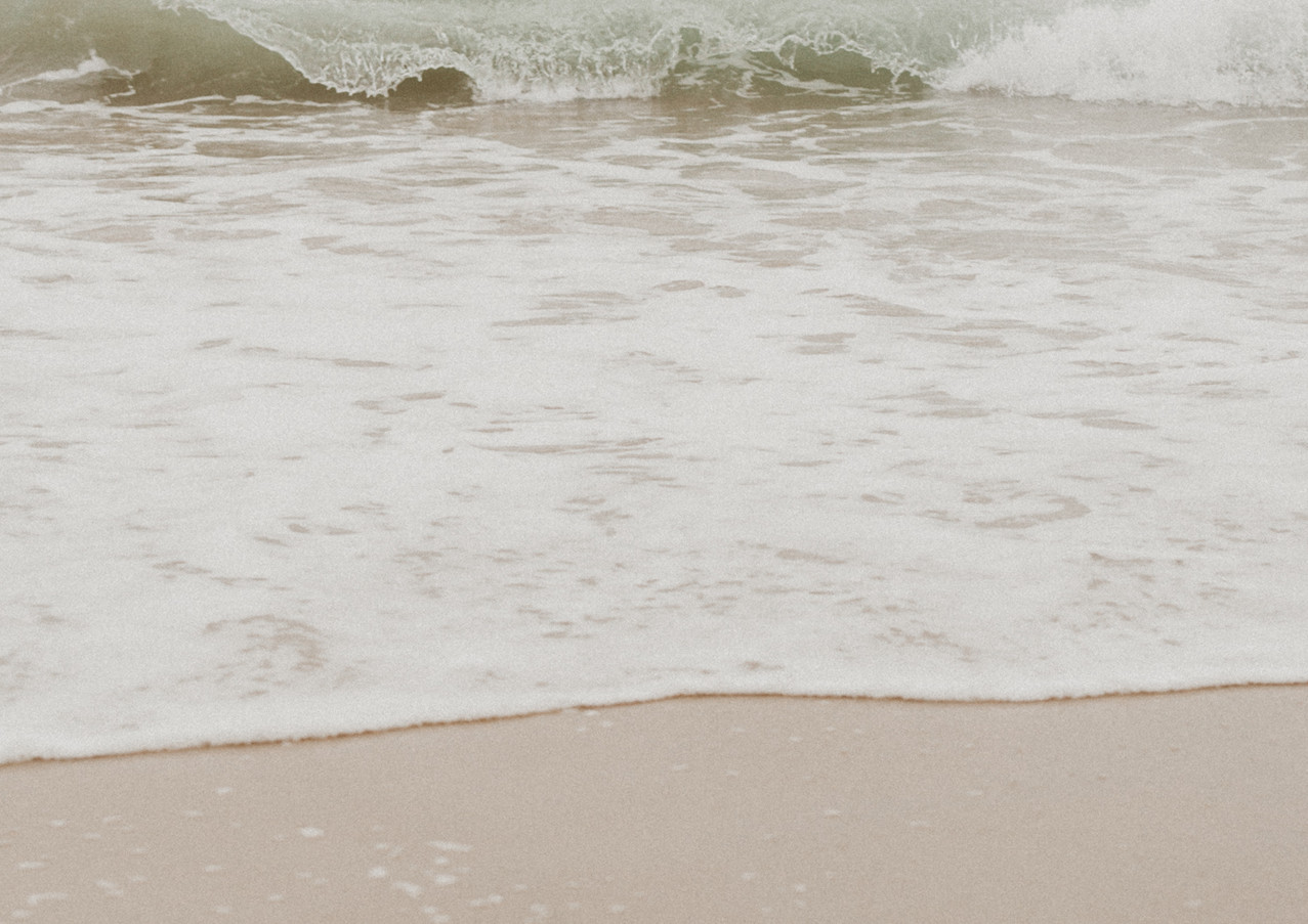 19_08 Beach Family-103.jpg