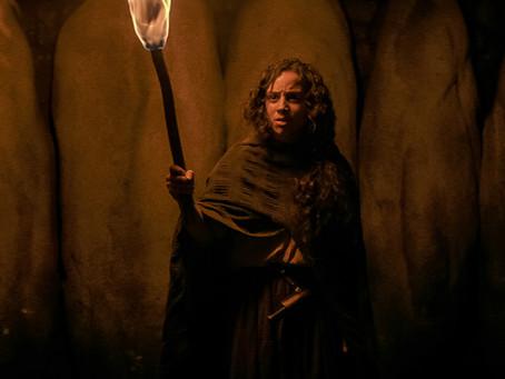 [Crítica] Rua do Medo Parte 3: 1666 fecha trilogia com caça às bruxas e queer horror