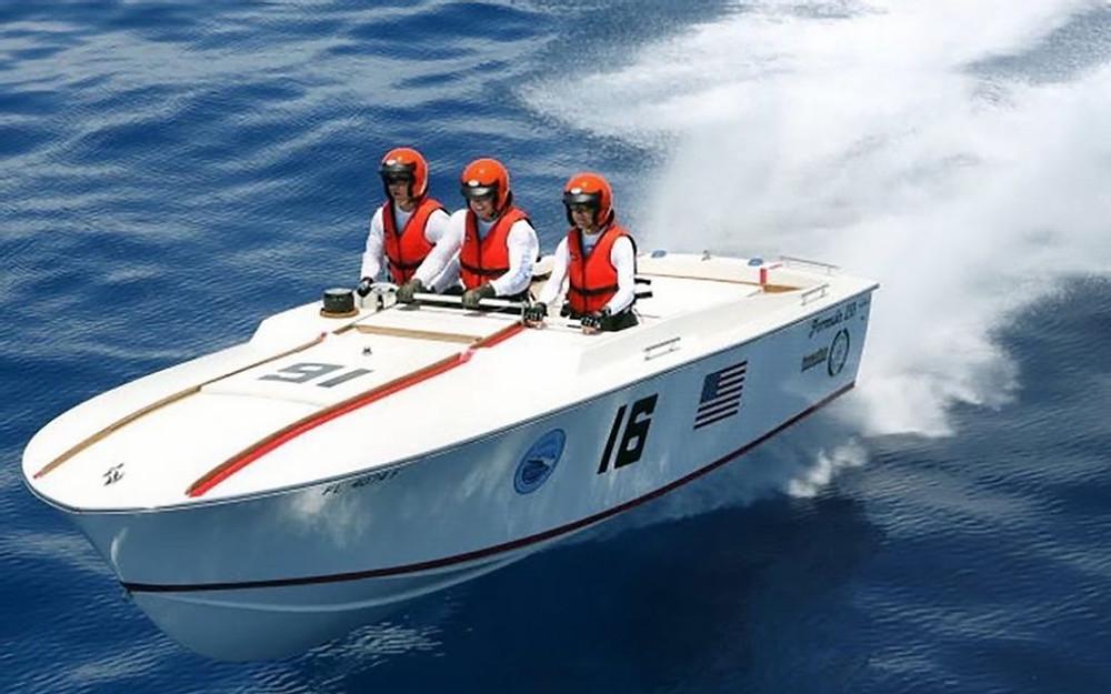 Formula 233 race boat