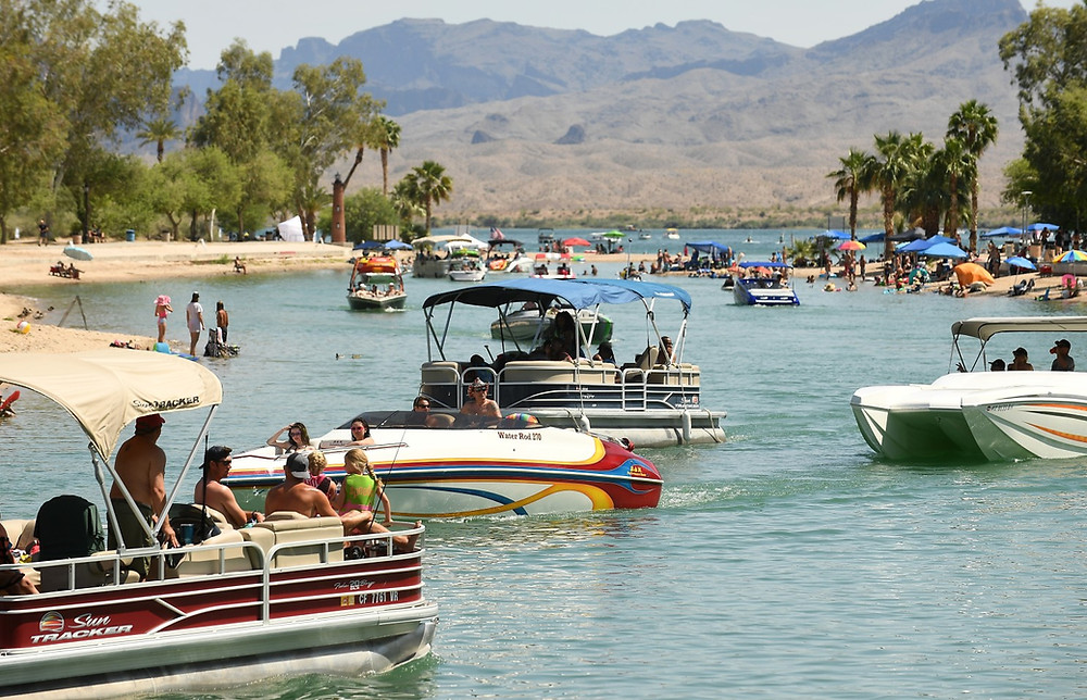 Busy boat launch Lake Havasu
