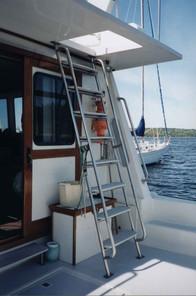 43' Cape Islander Stern Deck