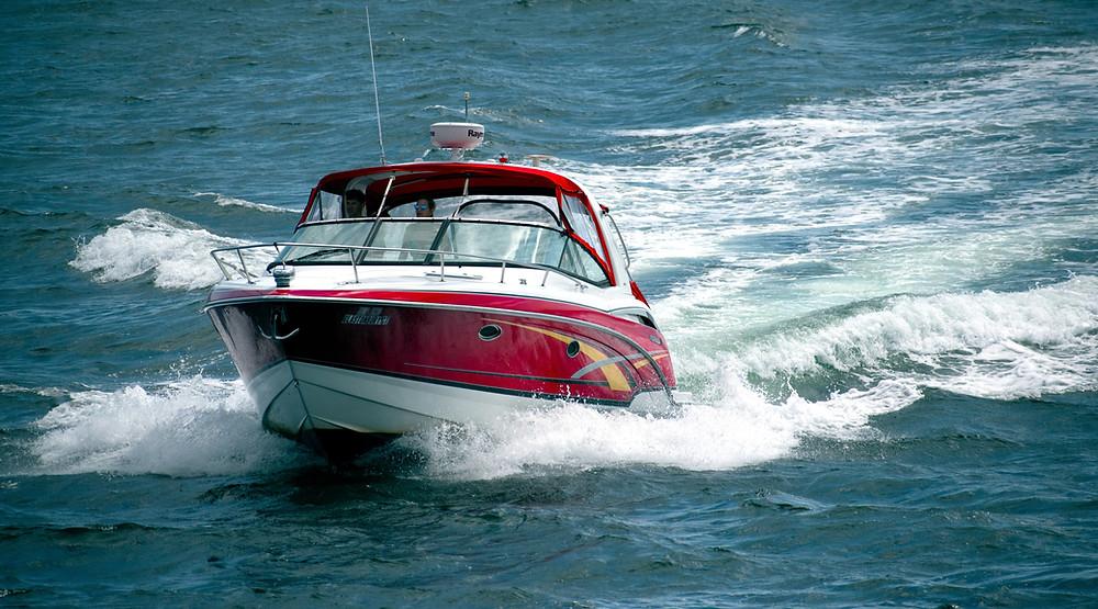 Boat cruising at optimal speed