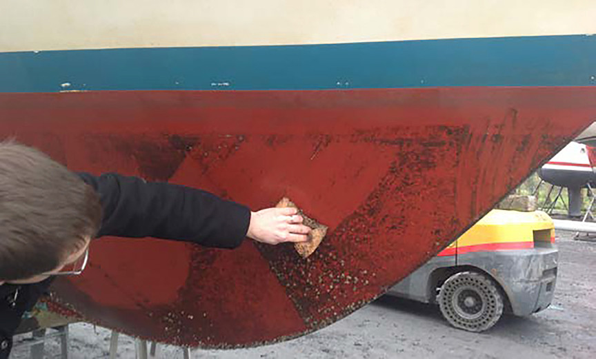 Cleaning boat hull