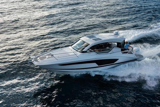 2020 Four Winns V355 Coupe