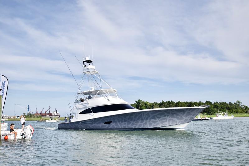 Michael Jordan Viking Yacht Catch 23