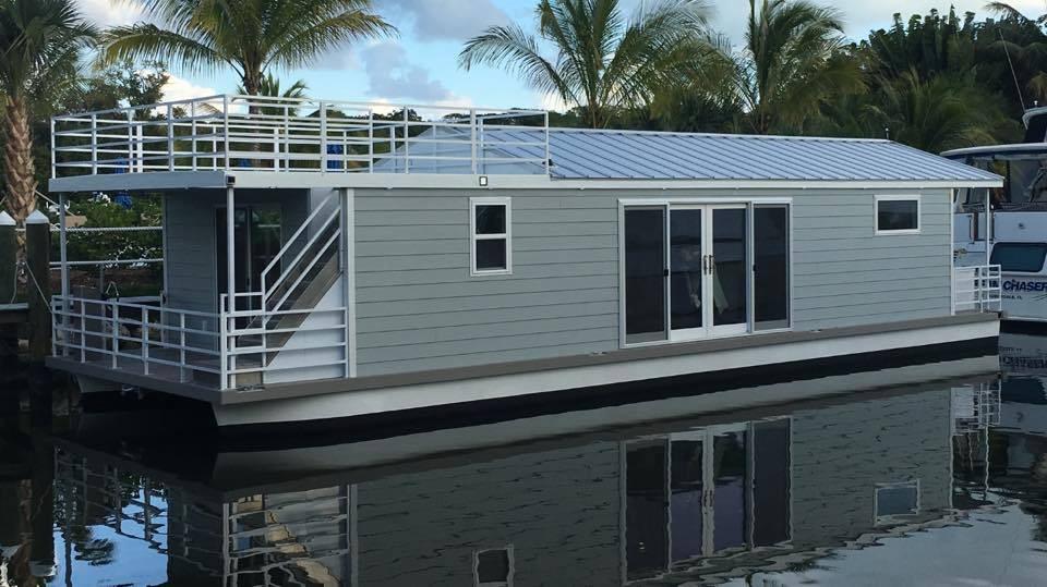 Destination Yachts Condo series houseboat