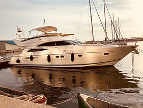#QuickTips - How to Charter a Yacht