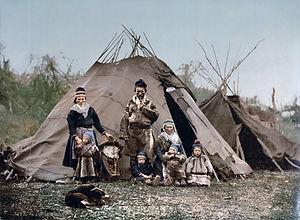 1920px-Saami_Family_1900.jpg