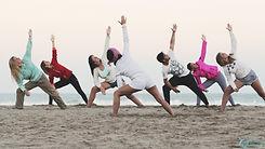 Yoga en la playa.jpg