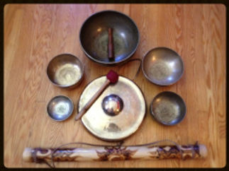 Deepen into the tranquil sounds of the Tibetan bowls