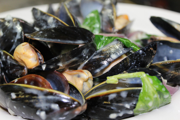 Garlic Cream Mussels