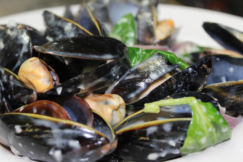 Garlic Cream Mussels
