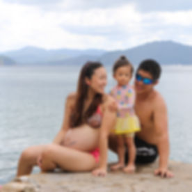 Family beach shoot 2019-68_edited.jpg