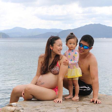Family beach shoot 2019-68_edited.jpg