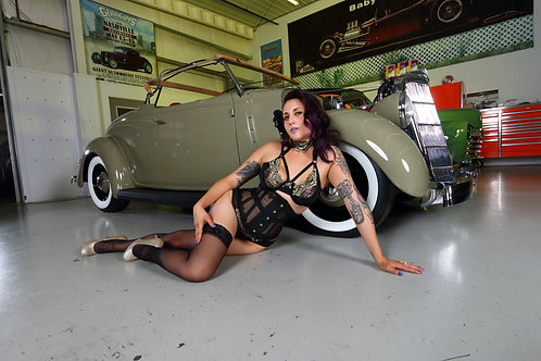 Estella Jane pinup art