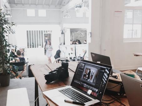 Qu'est-ce qu'un directeur artistique en publicité et communication visuelle ?