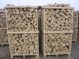 bancali di legna.jpg