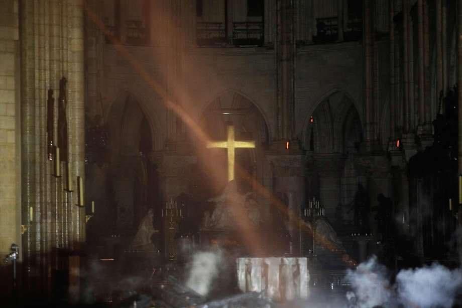 Foto eseguita all'interno della chiesa eseguito con drone per la valutazione dello stato dei luoghi a seguito di incendio