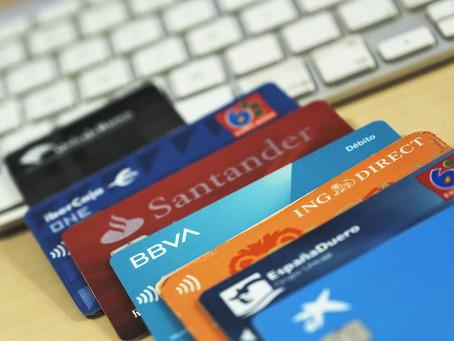 Las tarjetas revolving: préstamos en forma de tarjeta de crédito.