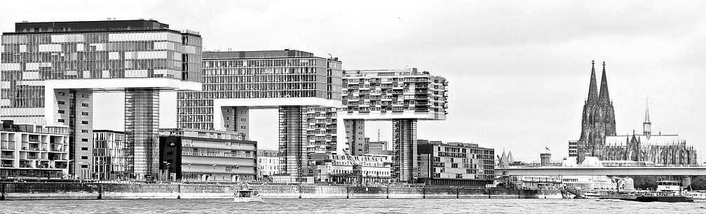 dock-architecture-skyline-glass-building
