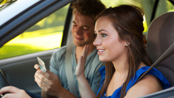 Women vs. Men: Who Gets the Most cost-effective Auto Insurance?