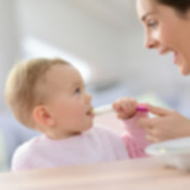 baby feeding and swallowing