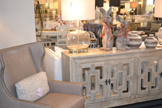 Accent cabinet perfect for a TV or Hallway.