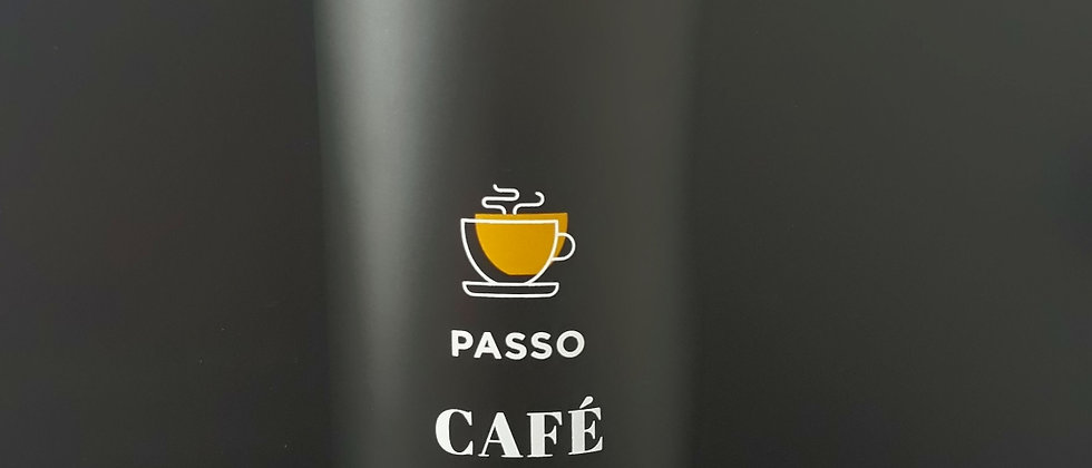 Copo para viagem café ajuda