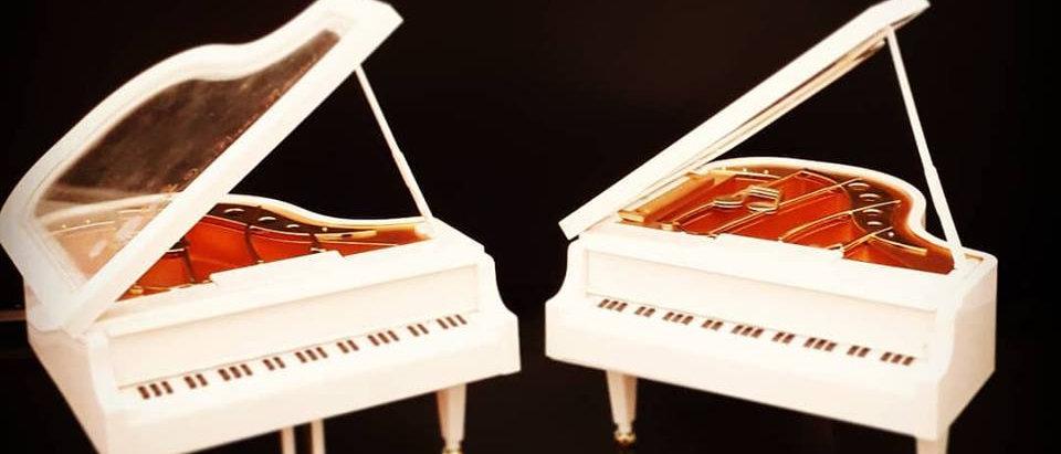 CAIXA MUSICAL PIANO 13X9 CM