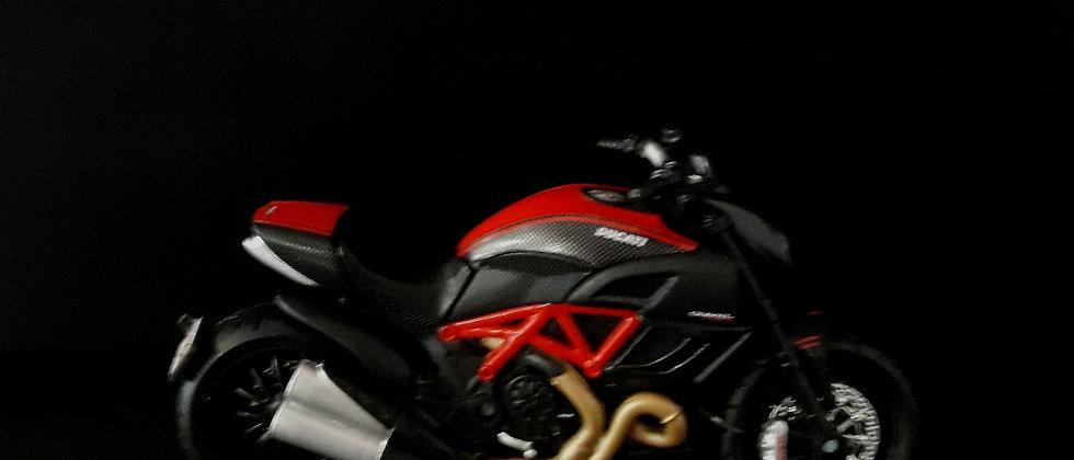 Miniatura de moto Ducati