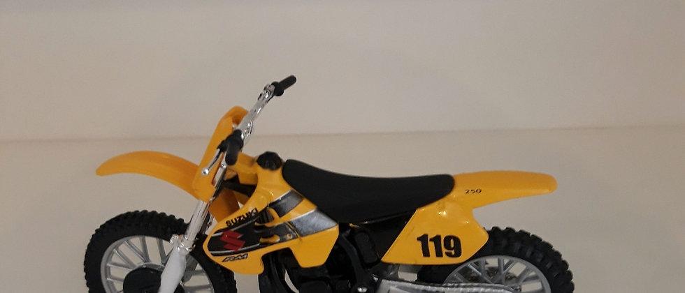 Miniatura de moto Suzuki 250