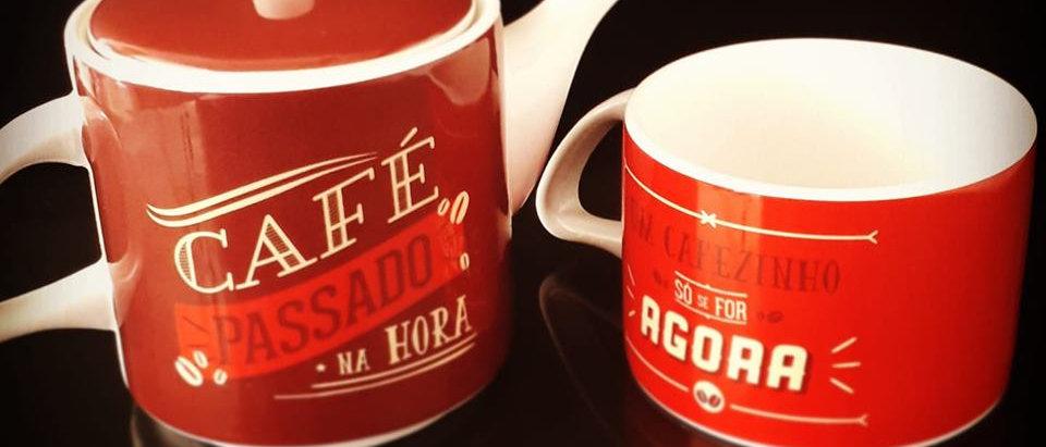 BULE E XICARA LOVE CAFE