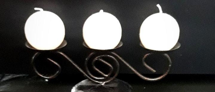 """Castiçal 2 """"S"""" deitado 03 velas"""