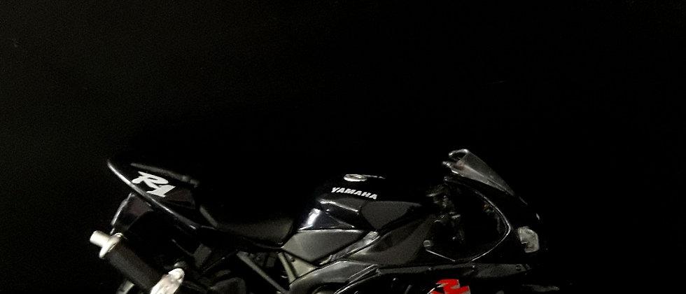 Miniatura de moto Yamara R1