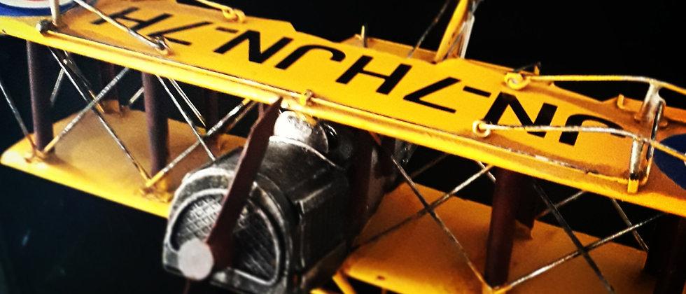 Avião Amarelo