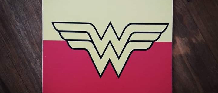 Placa Wonderful Woman 1