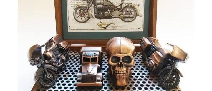Miniaturas Caminhão, Motos e Caveiras