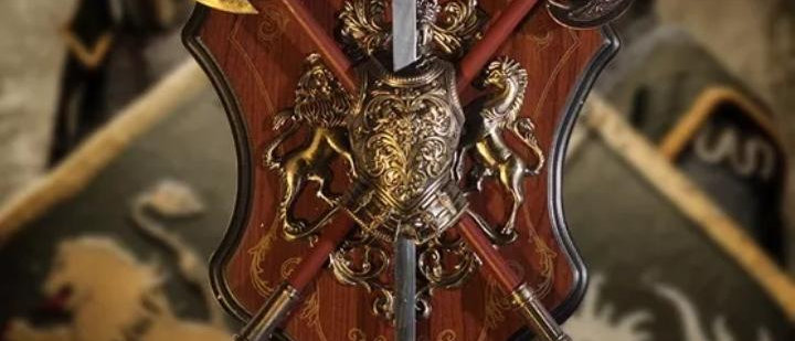 Enfeite Parede Medieval Machado Espada Escudo