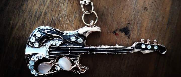 Chaveiro Guitarra 2