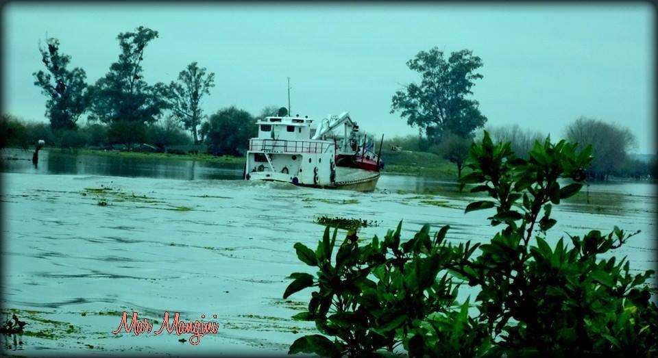 Barquito en el Rio Baradero