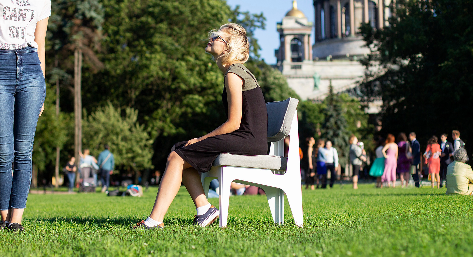 OULA Chair by Figuron 1a.jpg