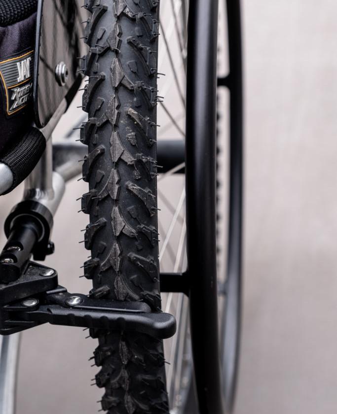Kompletta vinterhjul med grovmönstrade däck från Oracing.