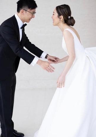 modern bride.jpg