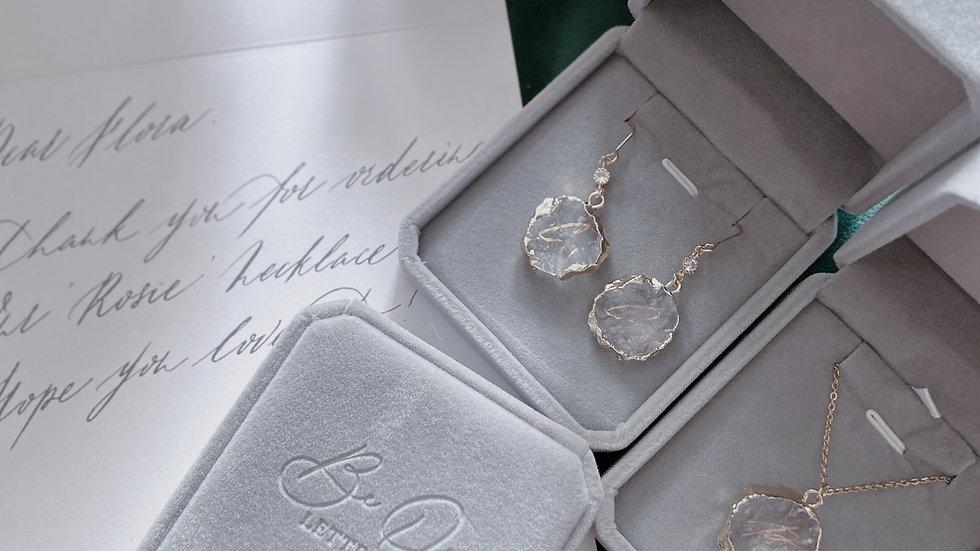 BELOVED |White Crystal Earring 原石白水晶耳環 配客製手寫字母