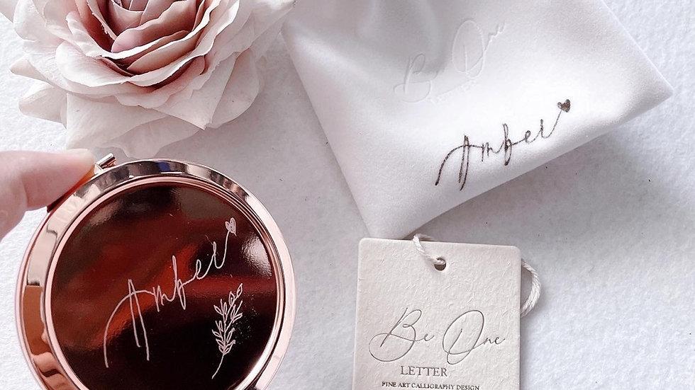 ENGRAVED ROSE GOLD MIRROR CASE + VELVET POUCH WITH NAME 雕刻玫瑰金鏡 + 法式絲絨袋