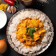 Pollo al curry con leche de coco, almendras, mango y arroz Basmati- para 2 personas - Itbis incluido